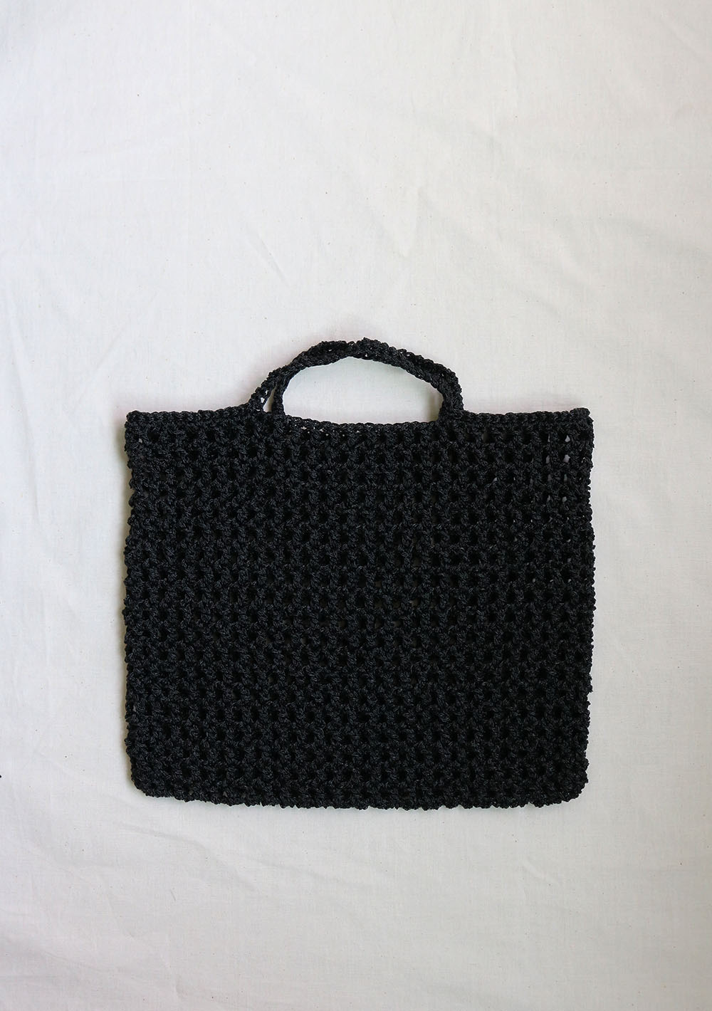 eji plot _ crochet net bag 01  black